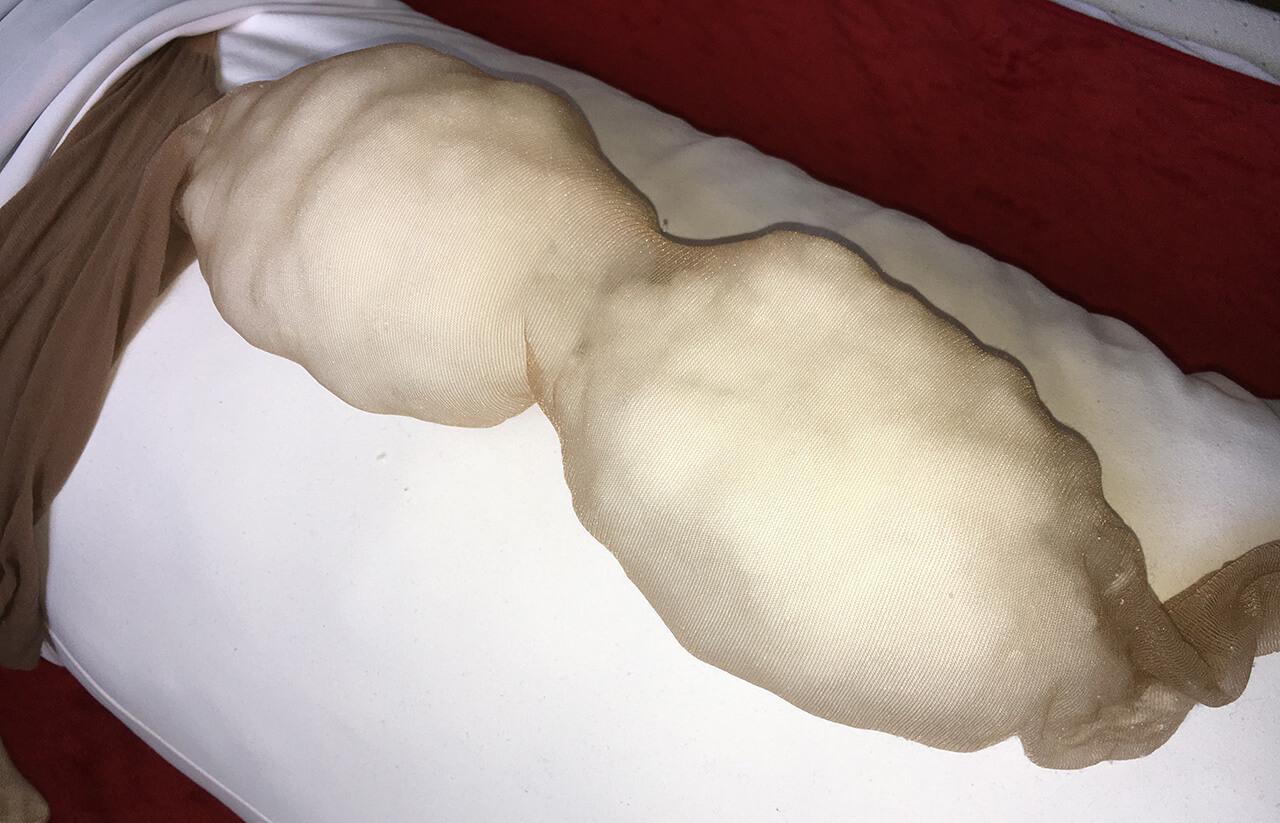 抱き枕カバー おっぱい 作り方 ストッキングにワタを詰めた