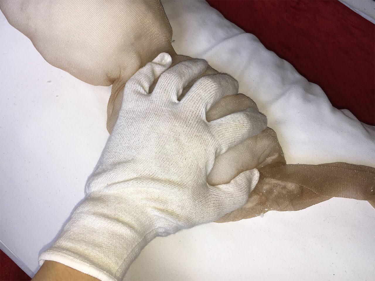 抱き枕カバー おっぱい 作り方 掌に広がるようなお椀状にする